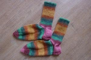 Socken handgestrickt aus Schurwolle mit Viskose  in bunt geringelt kaufen~ Strümpfe ~ Kuschelsocken ~ warme Füße !