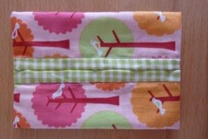 Taschentücher Tasche genäht aus Baumwollstoffen in leuchtenden Farben kaufen * TaTüTa* Kosmetiktäschchen ~ griffbereite Taschentücher  - Handarbeit kaufen