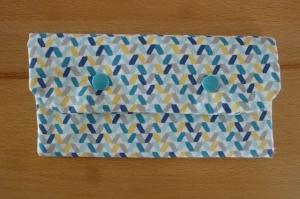 Täschchen bzw. kleines Portemonnaie aus Baumwollstoff mit blaugelbem Muster genäht kaufen