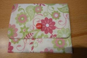 Täschchen bzw. kleines Portemonnaie aus Baumwollstoff mit floralen Motiven genäht kaufen    - Handarbeit kaufen
