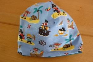 Kinderwendebeanie mit Piraten und Sternen aus Baumwolljerseystoffen mit Elasthan in Blautönen genäht kaufen  - Handarbeit kaufen