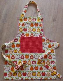 Kinderschürze aus Baumwollstoffen mit bunten Äpfeln und Birnen genäht kaufen ~ Backen ~ Kochen lernen ~ Basteln oder Werkeln