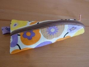 Taschen ~ Täschchen ~ Mäppchen ~ Etui ~ Stiftetäschchen, Schminktäschchen, genäht aus Baumwollstoffen in orange und lila kaufen
