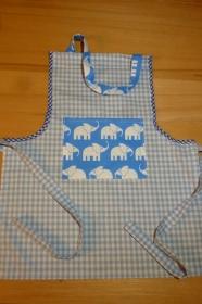 Kinderschürze aus Baumwollstoffen in hellblau - weiß mit Elefanten genäht kaufen ~ Backschürze ~ Kochschürze ~  Kaufladen