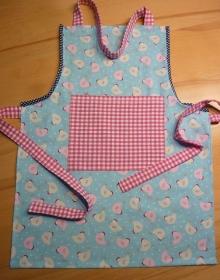 Kinderschürze aus hellblauem Baumwollstoffen genäht mit Hühnern kaufen ~ Backschürze ~ Kochschürze ~ Kaufladen ~    - Handarbeit kaufen