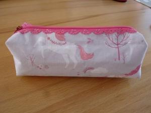 Taschen ~ Täschchen ~ Mäppchen ~ Etui ~ Stiftetäschchen, Schminktäschchen, genäht aus Baumwollstoffen in hellgrau und pink  kaufen  - Handarbeit kaufen