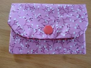 Täschchen bzw. kleines Portemonnaie aus Baumwollstoff mit Blümchen und Blütenzweigen genäht kaufen      - Handarbeit kaufen