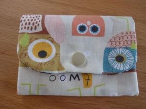 Täschchen bzw. kleines Portemonnaie aus Baumwollstoff mit Eulen in beige und braun genäht kaufen       - Handarbeit kaufen