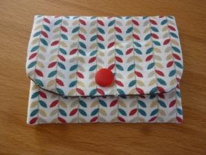 Täschchen bzw. kleines Portemonnaie aus Baumwollstoff mit Blätterranken in beige und braun genäht kaufen      - Handarbeit kaufen
