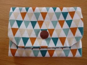 Täschchen bzw. kleines Portemonnaie aus Baumwollstoff mit Dreiecken in bunt und braun genäht kaufen       - Handarbeit kaufen