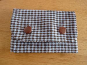 Täschchen bzw. kleines Portemonnaie aus Baumwollstoff mit kleinem Karo in braun und grau genäht kaufen   - Handarbeit kaufen