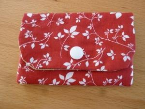 Täschchen bzw. kleines Portemonnaie aus Baumwollstoff mit Blätterranken und Blüten genäht kaufen     - Handarbeit kaufen