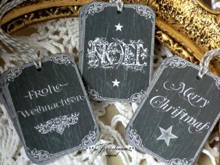 9-er Set Geschenkanhänger / Weihnachtsanhänger -kleine Tafel- in dunkelgrau & mit Weihnachtsgrüssen versehen.