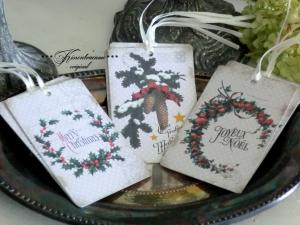 9 Weihnachtsanhänger / Geschenkanhänger / Dekoanhänger mit schönen weihnachtilichen Vintage Motiven.