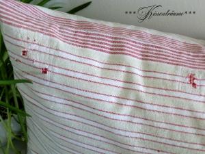 Wunderschöner Kissenbezug / Leinenkissenbezug aus altem Vintage Leinen mit roten Streifen und tollen Shabby Stil.