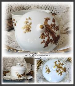 Tolle Vintage Porzellan Dose, Bonboniere und Deckel, mit herrlichen Gold / Bronze Motiven.