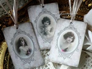 9-er Set Geschenkanhänger mit tollen Vintage  Damen Motiven, in ovalem Rahmen