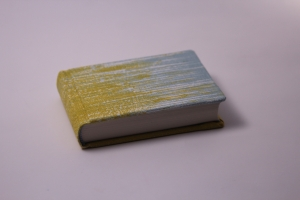 handeingebundenes Schreibbuch mit mehrfarbigem Mattleinen-Einband