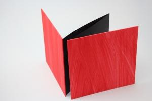 handgebundenes Leporello mit unikatem Kleisterpapier bezogen