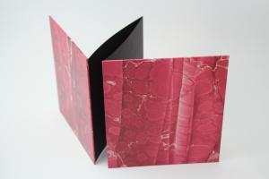 handgebundenes Leporello mit rotem Marmor-Dekopapier bezogen, Unikat