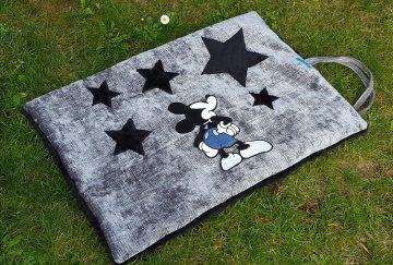 Super schöne handgemachte Hundedecke Mickey and Stars