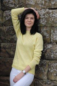 Dünner, zarter Pullover mit Lochmuster vorne aus Baumwolle, Größe 36-38