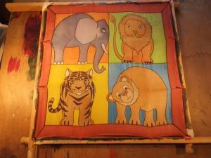 Seidentuch mit  den großen Tieren wie Elefant, Löwe, Tiger und Bär - Handarbeit kaufen