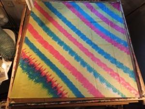 Seidentuch mit breiten diagonalen verlaufenden Streifen - Handarbeit kaufen