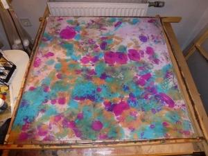 Seidentuch mit einem wilden Muster in Türkis und Pink - Handarbeit kaufen