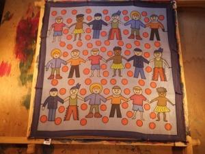 Seidentuch mit ganz vielen lustigen Kindern aus aller Welt - Handarbeit kaufen