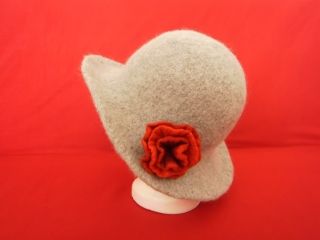 Filzhut mit Rose - Handarbeit kaufen