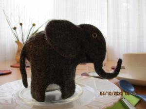 Eierwärmer: Elefant, handgefilzt - Handarbeit kaufen