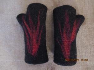 Handgefilzte Stulpen in schwarz - Handarbeit kaufen