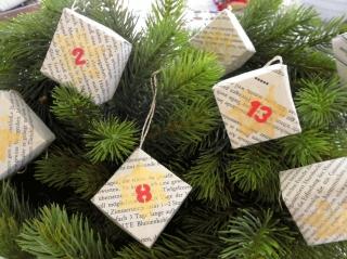 Adventskalender, 24 Faltschachteln, Origami - Handarbeit kaufen