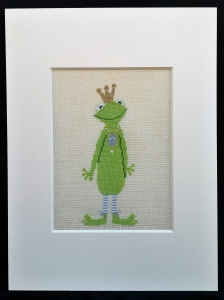 Zauberhafter Froschkönig in Kreuzstich mit Goldener Krone ♥ - Handarbeit kaufen