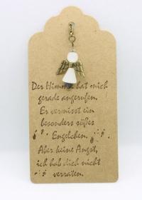 ♥ Süßer Schutzengel in Weiß aus Polaris-Perlen mit gestempelten Spruch-Anhänger ♥    - Handarbeit kaufen
