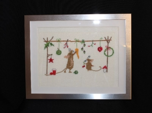 Weihnachtliche Naschmäuse mit Alu-Rahmen ★ auf Leinen gestickt ★    - Handarbeit kaufen