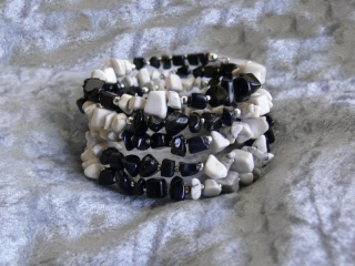 Modern, leger, sportlich,Howlith, Onyx- Wickelarmband  Schwarz-Weiß