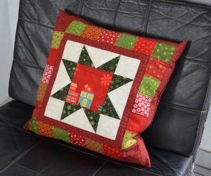 Weihnachtlicher Kissenbezug, rot-grün-natur, 40 x 40 cm