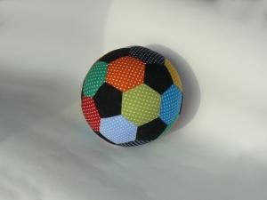 Großer weicher Stoffball ☀ Regenbogen ☀ , Fußballgröße L - Handarbeit kaufen