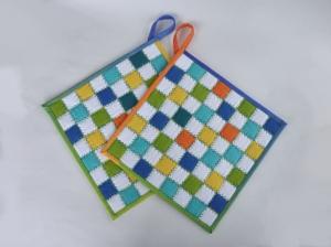 Topflappen ☆Sommer☆ mit weiß-bunten Pixel-Quadraten, aus der Stoffserie ♡ Kona Cotton Unis ♡ - Handarbeit kaufen