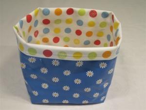 Utensilo - Wachstuch - Blumen und bunte Kreise, blau
