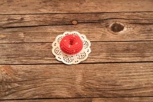 gehäkelter Donut (Streusel) für den Kaufladen oder die Kinderküche von Nanuschka