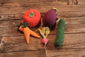 gehäkelter Gemüse-Mix für den Kaufladen oder die Kinderküche von Nanuschka