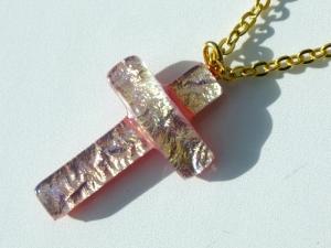 kleines KREUZ rosé-gold dichroitisches Glas Kette
