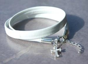 Wickelarmband KREUZ weißes Nappa-Leder Silber