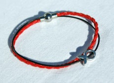 schmales Armband mit kleinem Ichthys rot-schwarz Fisch christlich