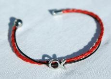 schmales Armband mit kleinem Ichthys rot-schwarz