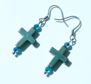 Ohrhänger Kreuz PETROL Hämatit Glas Edelstahl klein zierlich christlich - Handarbeit kaufen