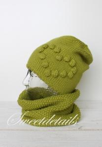 Beaniemütze und Schlauchschal im Set aus Wolle in Grün mit Herz